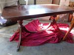 Vintage dining table, 2 legs need r...