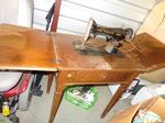 Singer sewing machine in cabinet...